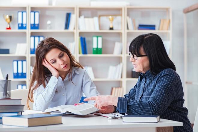 Pesquisa revela que apenas 15% das profissões listadas no Brasil favorecem as mulheres quando o assunto é salário. | Bigstock/