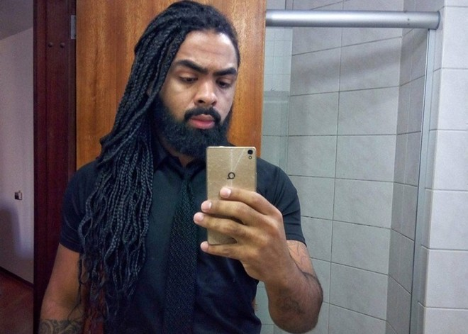 Juliano Trevisan, 27, foi barrado na entrada de uma boate em Curitiba por causa da roupa | Reprodução Facebook/