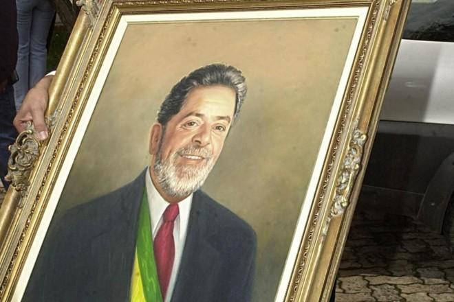 Quadro mostra Lula com a faixa presidencial: nostalgia da gestão do petista pode ser entendida à luz da psicologia | ABR