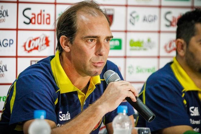 Paulo Baier durante a apresentação oficial no Toledo. | Rodrigo Aguiar Ruiz/Divulgação Toledo