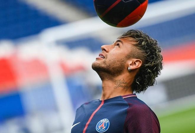 | LIONEL BONAVENTURE/AFP