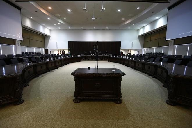 A sala onde são realizadas as reuniões do Pleno e do Órgão Especial do TJ-PR | Jonathan Campos/Gazeta do Povo