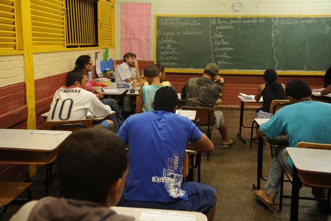 Situação econômica é uma das principais causas do abandono escolar   Marcello Casal JrAgência Brasil