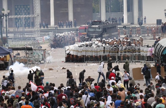 Cerca de 2,5 mil policiais atuaram na operação. | Ivonaldo Alexandre/Gazeta do Povo