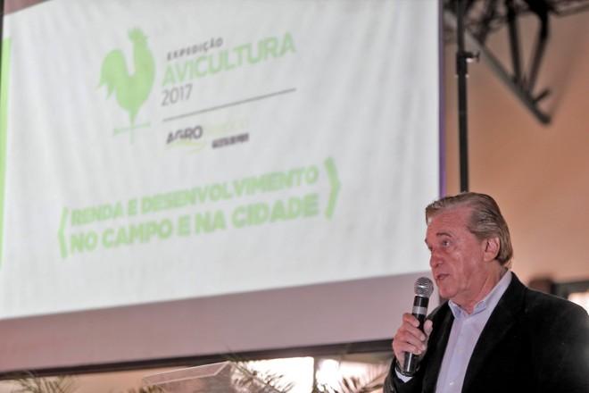 Presidente do Sindiavipar, Sindicato das Indústrias de Produtos Avícolas do Estado do Paraná (Sindiavipar), Domingos Martins., durante a apresentação do evento. | Albari Rosa/Gazeta do Povo