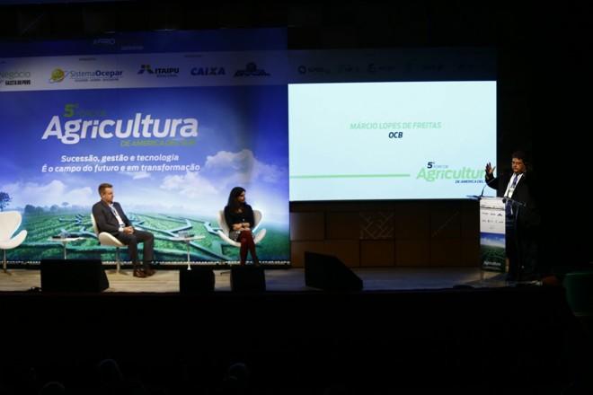 Da esquerda para a direita, Almir Meinerz, Maria Noel Ackermann e Márcio Lopes de Freitas | Jonathan Campos/Gazeta do Povo