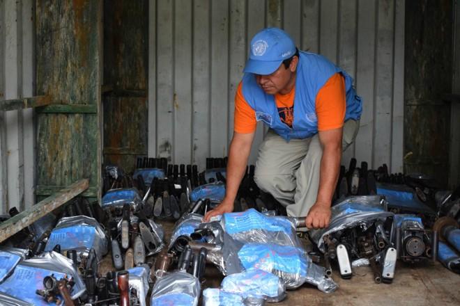 ONU recebe armas entregues pelas Farc | HO/AFP