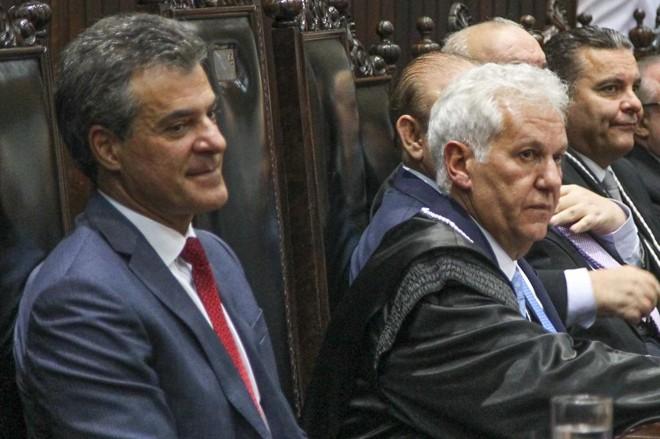 Richa ao lado do presidente do TJ-PR, desembargador Renato Bettega. | Daniel Castellano/Gazeta do Povo
