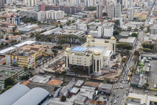 2178c1e17e Templo foi levantado no terreno onde ficava a antiga fábrica da Matte Leão,  no bairro