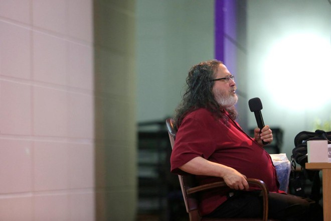 Richard Stallman, em palestra na UFPR | Marcelo AndradeGazeta do Povo