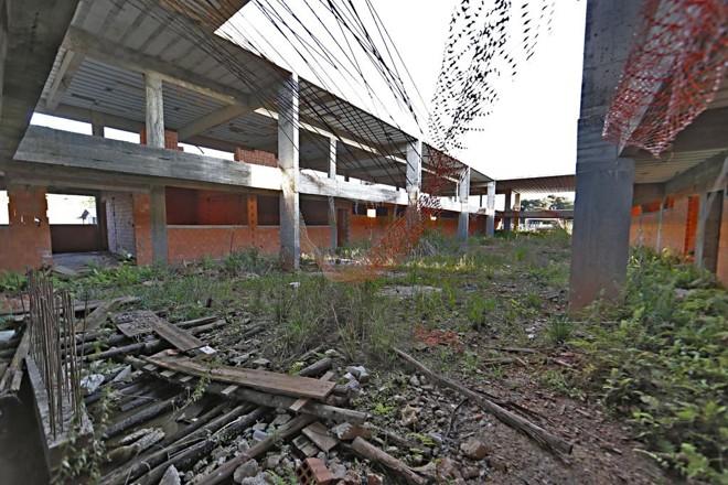 Construção do Ceep de Campo Largo é uma das obras paralisadas. | Albari Rosa/Gazeta do Povo
