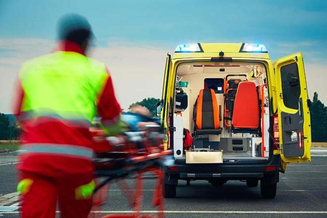 Atendimento pré-hospitalar realizado ainda na estrada permite atendimentos médicos mais eficientes. | Bigstock