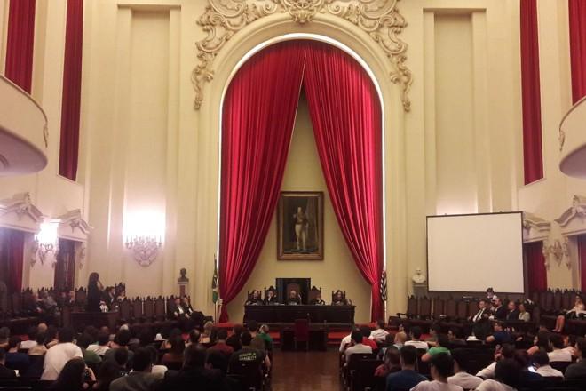 Salão Nobre da Faculdade de Direito da USP, nesta sexta-feira (15), durante a prova de erudição de concurso para professor titular | Juliana Keltke/ Arquivo Pessoal