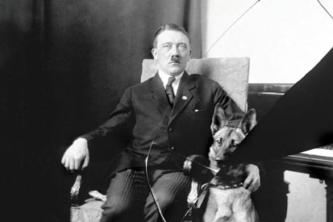 Detalhe da biografia de Hitler escrita por Ian Kershaw | Divulgação