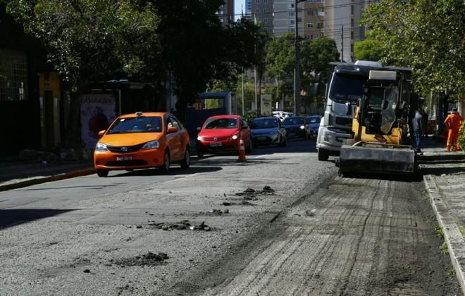 Trânsito vai seguir em meia pista ao longo dos próximos 30 dias   Aniele Nascimento/Gazeta do Povo