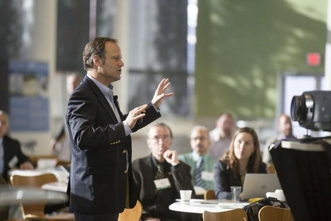Boa comunicação é uma habilidade muito exigida no mercado de trabalho. | Reprodução/Creative Commons