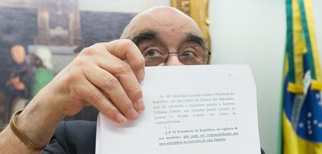 O relator Bonifácio de Andrada (PSDB-MG) durante a votação do seu parecer na CCJ da Câmara: sugestão de arquivamento da denúncia foi aprovada. | Lula Marques/Agência PT