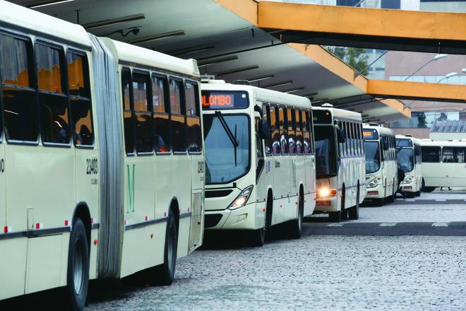Já é possíve saber exatamente o horário em que o ônibus vai chegar e se programar melhor   Lineu FilhoLineu filho /Tribuna do Parana