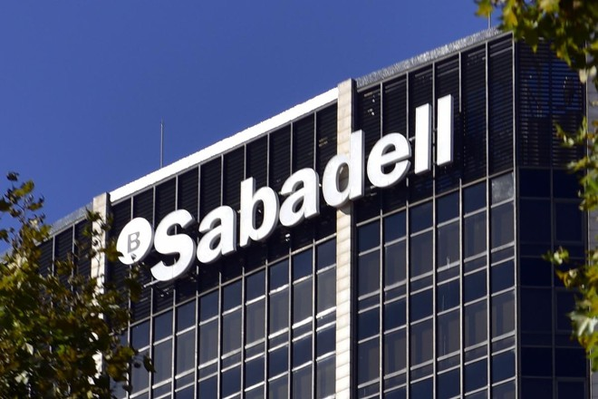 Ações subiram mais de 3% na Bolsa espanhola após o anúncio do banco | PIERRE-PHILIPPE MARCOU/AFP