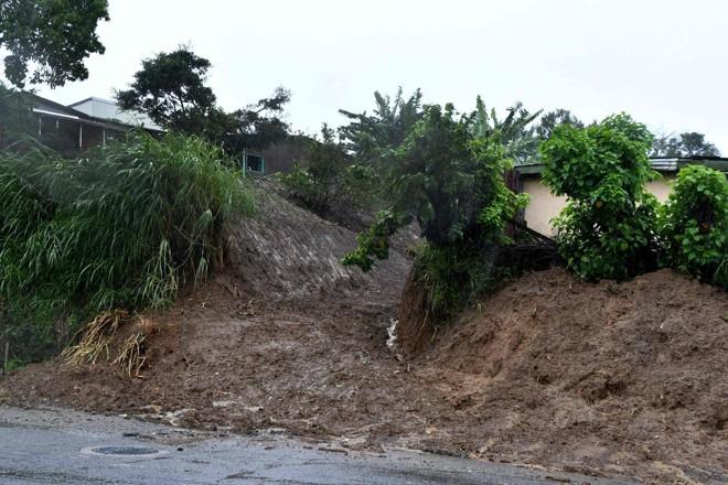 Fenômeno Nate já provoca estragos em Cartago, a 25 quilômetros doLeste de San José   EZEQUIELBECERRA/AFP