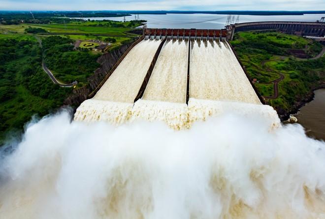 Autossuficiência energética, por causa da usina de Itaipu, é uma das teses do movimento, mas a empresa é binacional e a energia produzida aqui não fica na região Sul. | AlexandreMarchetti/Divulgação/Itaipu