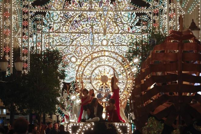 Evento Galeria de Luz ocorreu pela última vez em 2012   Daniel Castellano/Gazeta do Povo/Arquivo