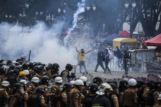 Repressão da PMno protesto do 29 de Abril deixou mais de 200 feridos | Daniel Castellano/Gazeta do Povo/Arquivo