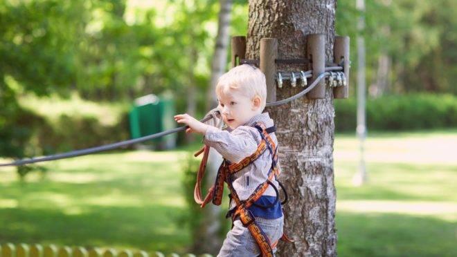 Eduque os seus filhos para a resiliência e a criatividade e ensine a eles que obstáculos estão aí para serem superados.