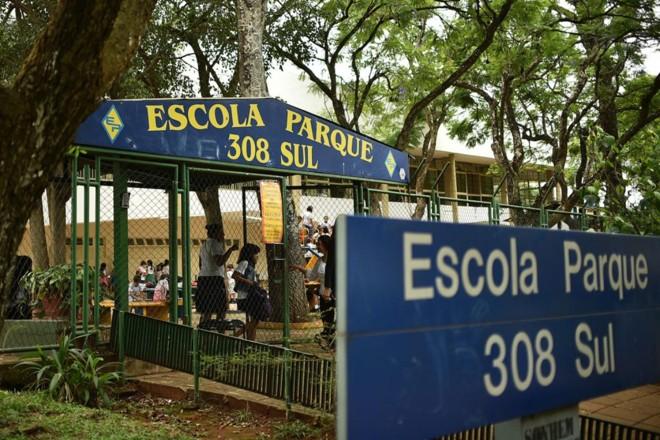 Escola pública em Brasília: menos recursos | Andre Borges
