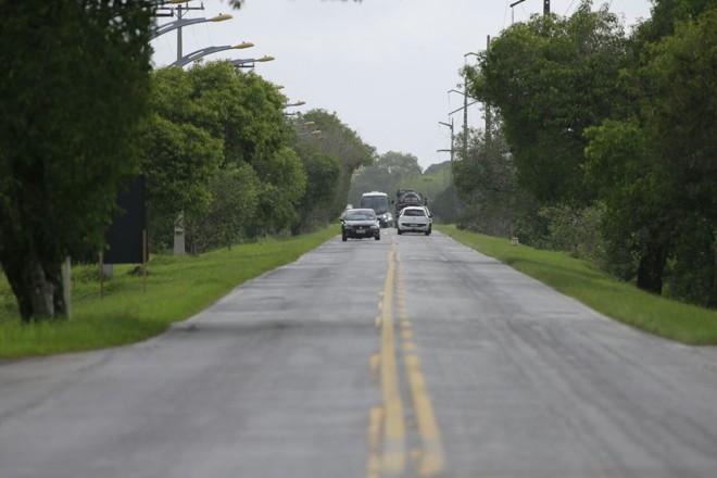 Foi liberada a construção de uma rodovia paralela à PR-412 (foto)   Jonathan Campos/Gazeta do Povo