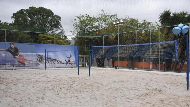 Loja da Decathlon na Marginal Tietê, em São Paulo. Unidade é a maior do país e tem quadra de areia e piscina para testar os produtos | Divulgação/Decathlon