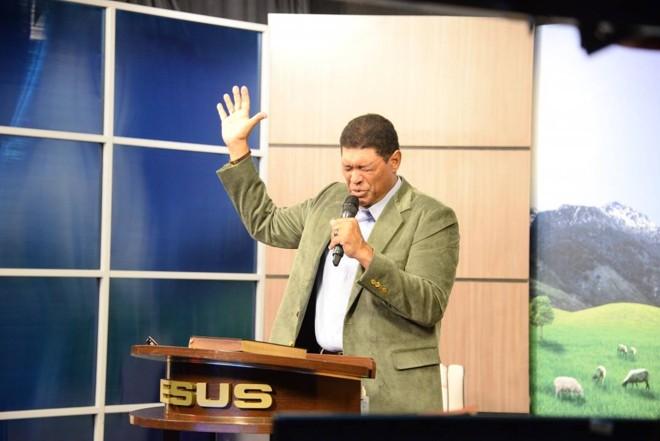 Fundador da Igreja Mundial do Poder de Deus   Eduardo Pinto/Facebook do Apóstolo Valdemiro Santiago/Reprodução
