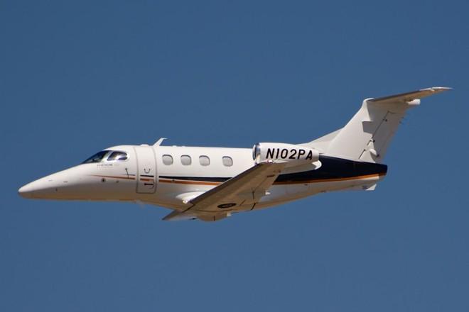 Ojato Phenom 100, da Embraer, é usado em aviação executiva e tem cabine pressurizada, uma das exigências do governo do Paraná   Glenn Beltz/Flickr