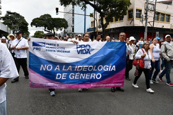 Líderes de cinco dos nove partidos com representação atual no Congresso da Costa Rica rejeitam a imposição da ideologia de gênero. | Conferencia Episcopal de Costa Rica.