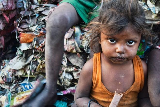 Criança pobre na Índia: ONGs atrapalham o desenvolvimentos dos países pobres | Pixabay