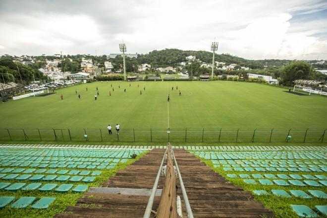 EstádioJanguito Malucelli virou atração no futebol local.   Marcelo Andrade/Gazeta do Povo