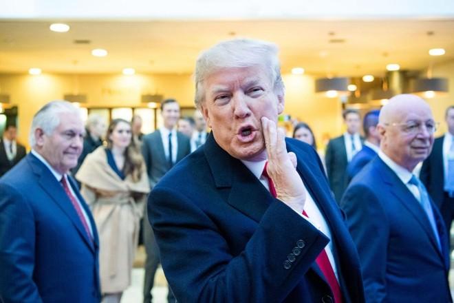 Opresidente Donald Trump ao chegar no Fórum Econômico Mundial de 2018, em Davos | Boris Baldinger/Fórum Econômico Mundial