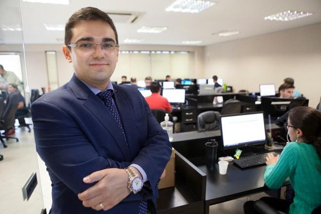 Lucas Ribeiro, sócio-fundador da Roit, viu sua consultoria faturar oito vezes mais em menos de dois anos com uma ideia simples, mas trabalhosa: contabilidade 24 horas. | Daniel CaronGazeta do Povo
