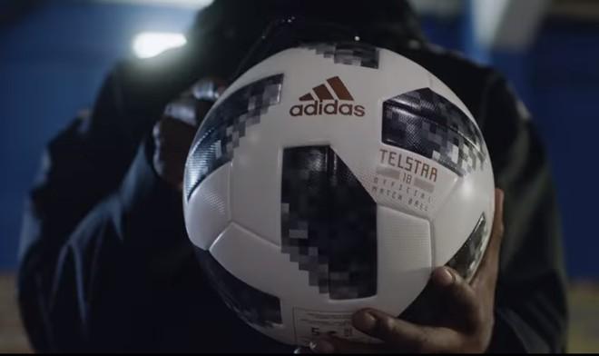 601e5543a Bola da Copa 2018  Telstar 18 será utilizada na Copa da Rússia e leva  material
