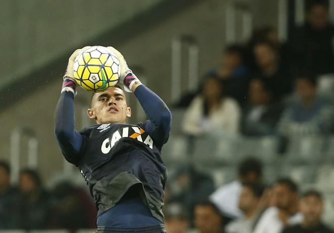 Santos é um dos que vai ganhar chance no grupo principal | Hugo Harada/Gazeta do Povo