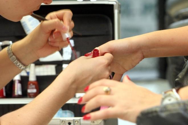 Mudanças no Simples vão atingir profissionais que trabalham em sistema de parceria, nos salões de beleza | Rogerio Theodorovy Gazeta do Povo/Arquivo