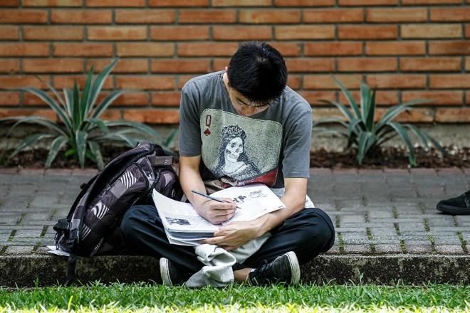 Jovens nascidos em 2000 completam 18 anos e chegam ao mercado de trabalho | Jonathan Campos Gazeta do Povo