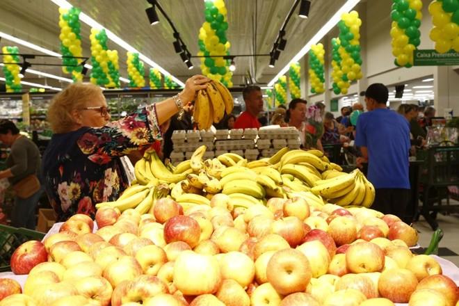 Dias Com Promoção De Frutas E Verduras Em Supermercados De Curitiba