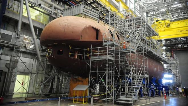 Montagem de submarino convencional no estaleiro e base naval da Marinha, em Itaguaí (RJ). | Tânia Rêgo/Agência Brasil