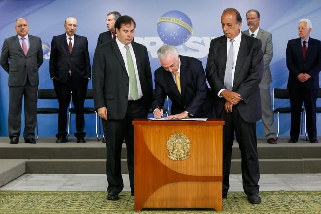 Decreto de intervenção foi assinado  pelo presidente Michel Temer no dia 16 de fevereiro, e recebeu aprovação do Congresso. | Beto Barata/PR