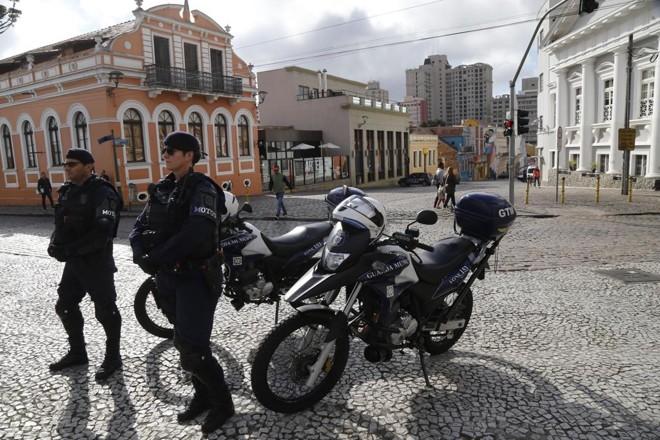 Para fiscalizar o trânsito, Guarda Municipal terá 26 motos novas.   Pedro Serapio/Gazeta do Povo/ Arquivo