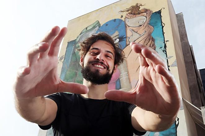 """Bruno Alano, 22 anos, ajudou a desenvolver a criptomoeda ECC e também montou uma startup, a Neurologic, para""""democratizar"""" a inteligência artificial.   Albari RosaGazeta do Povo"""