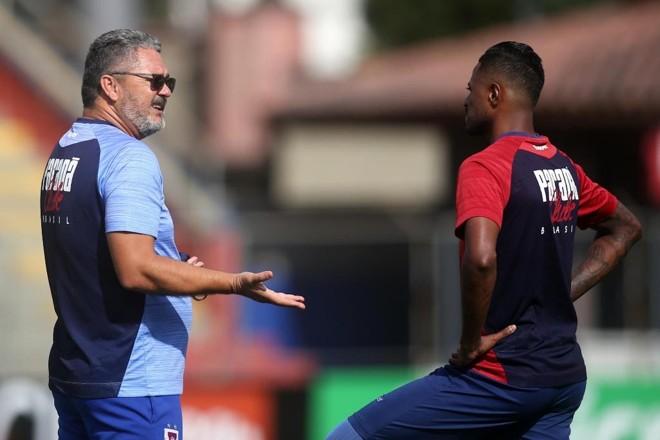 Técnico comandou o Tricolor em duas partidas, com um empate e uma vitória. | Albari Rosa/Gazeta do Povo