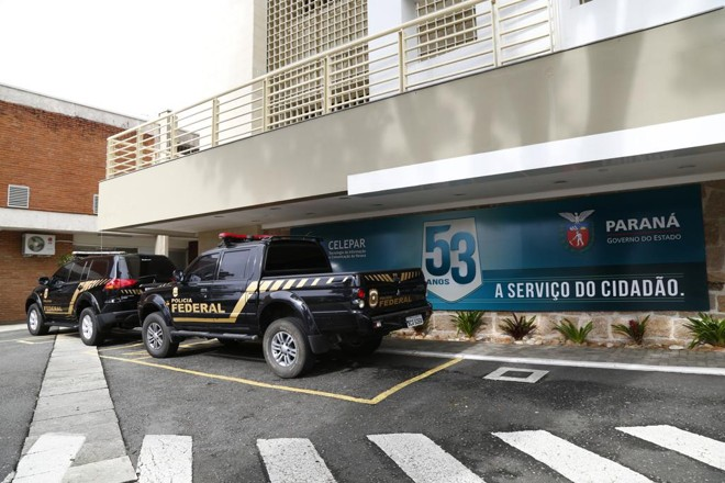 Polícia Federal cumpre mandados de busca e apreensão da operação em órgãos do governo do Paraná   Aniele Nascimento/Gazeta do Povo