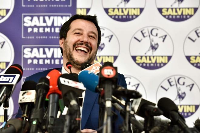 Em suas primeiras palavras após a votação, Matteo Salvini, líder do partido de extrema-direita Liga, disse que se opunha a formar uma coalizão com o 5 Estrelas   PIERO CRUCIATTIAFP